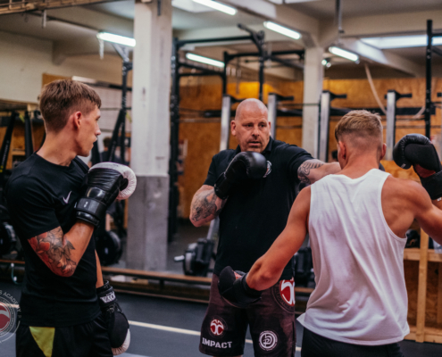 Boks en kickboks fundamenteels bij Impact Sports Academy te Breda
